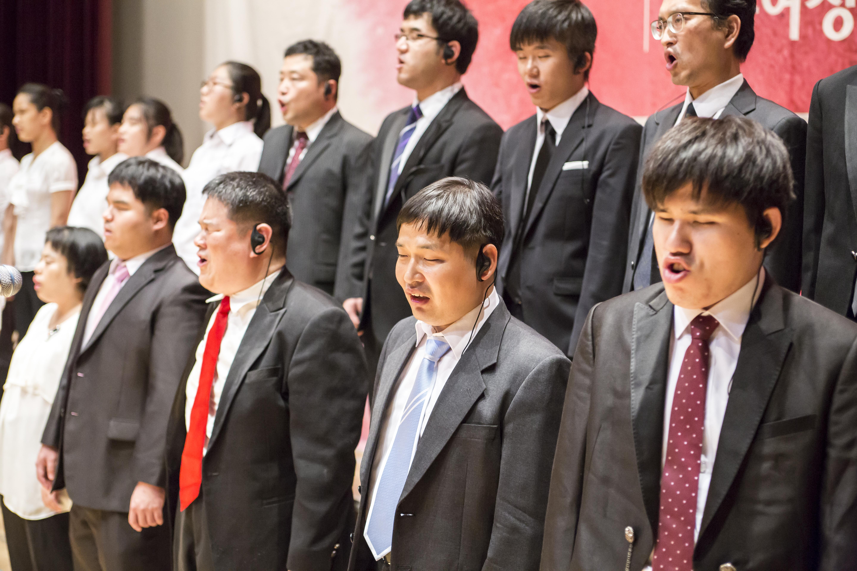 축하공연-체리티합창단.jpg