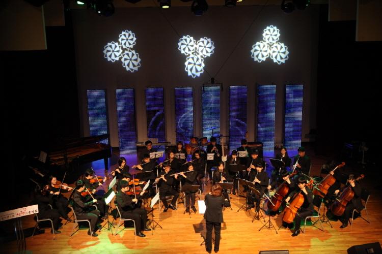 2014.12.16 CTS아트홀-나눔챔버오케스트라 공연.JPG